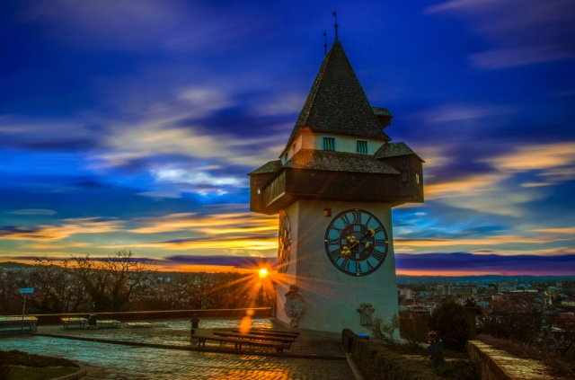 Grazer Uhrturm Sonnenaufgang