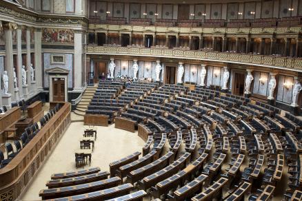 parlament-innen-reichsratssaal-3to2-1